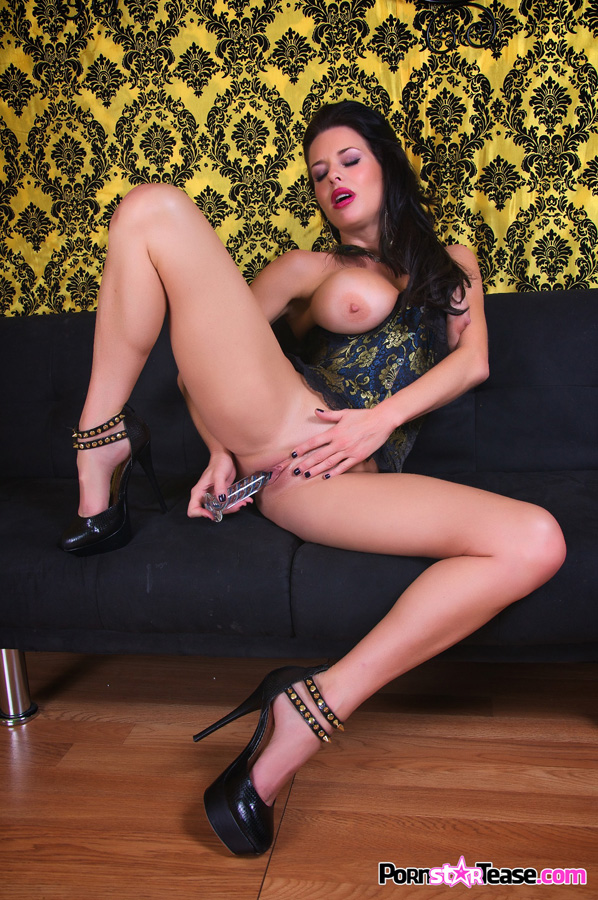 Milf in sexy lingerie porn